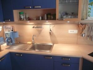 Autre vue de la cuisine de l'appartement BLEU
