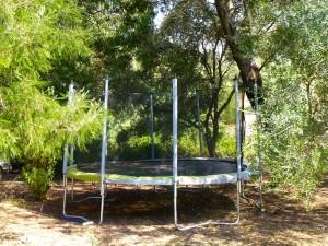 Vue du trampoline de la villa Upozzu